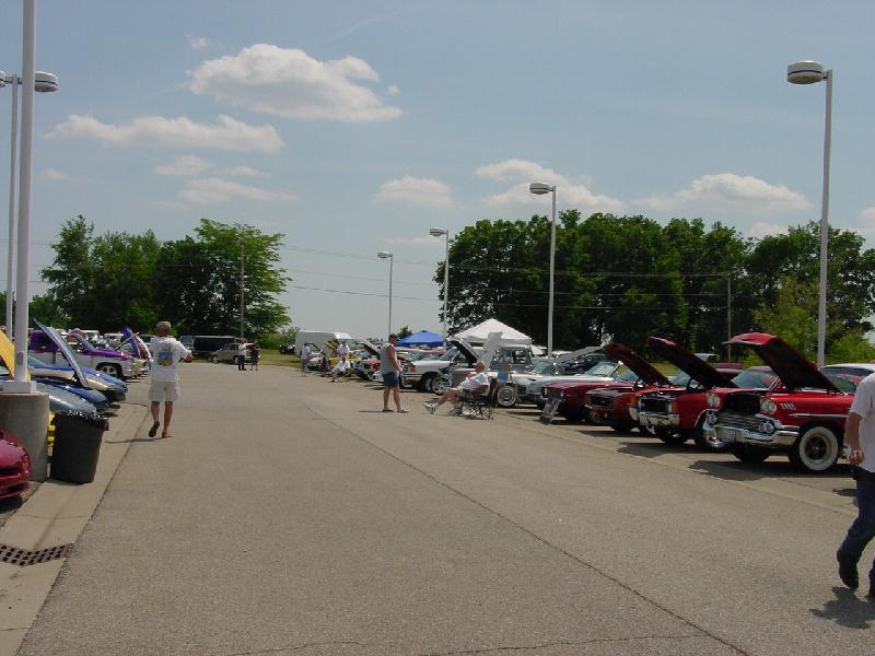 Annual friendly chevrolet chevy corvette show for Parkway motors inc springfield il